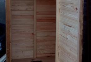 Деревянный туалет — 3000 грн.