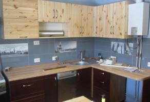 Кухня из дерева сосна двухцветная